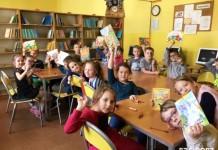 uroczyste pasowanie sp 4 dzieci bibilioteka (15)wyr