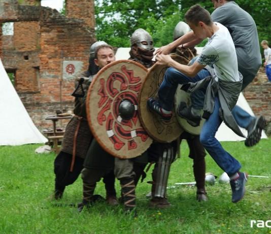 Majówka z rycerzami w Łubowicach