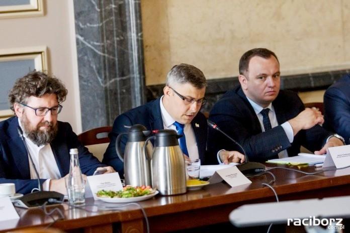 Podczas spotkania rozmawiano o możliwościach programu Czyste Powietrze oraz ewentualnych jego modyfikacjach