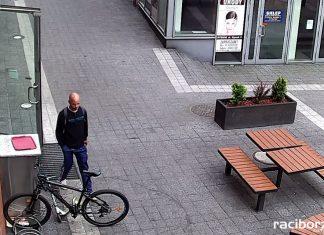 Rybnik: policja poszukuje sprawcy kradzieży roweru w centrum