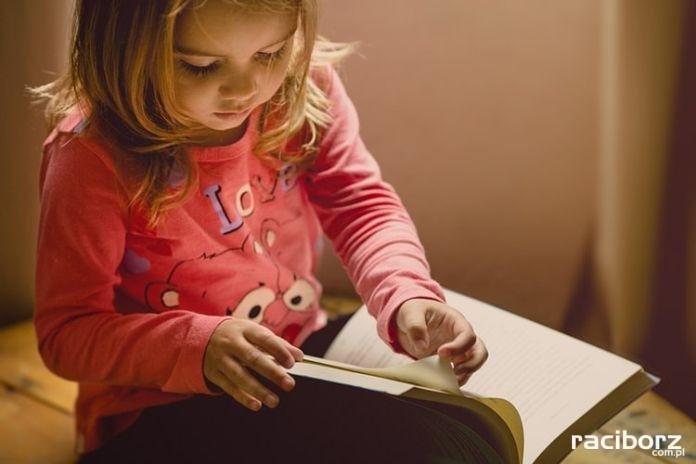 Bezpłatne wyprawki czytelnicze od września w raciborskiej bibliotece
