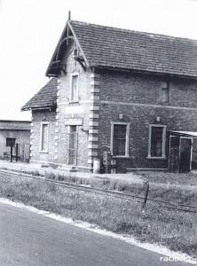 Stacja Nędza Wąskotorowa została otwarta w 1902 r. jako Klein Nendza.