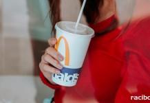 McDonald's papierowe słomki