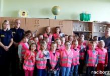 Strażnicy miejscy spotkali się z uczniami SP w Markowicach