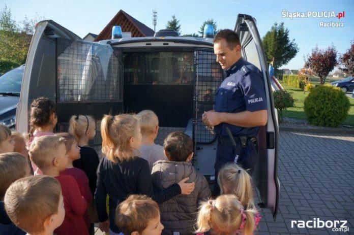 Raciborscy policjanci spotkali się z przedszkolakami