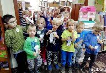 Przedszkolaki z Rud poznają bibliotekę