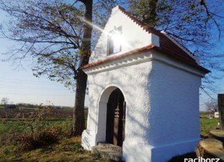 Remont dachu kapliczki na Grobli w Markowicach zakończony