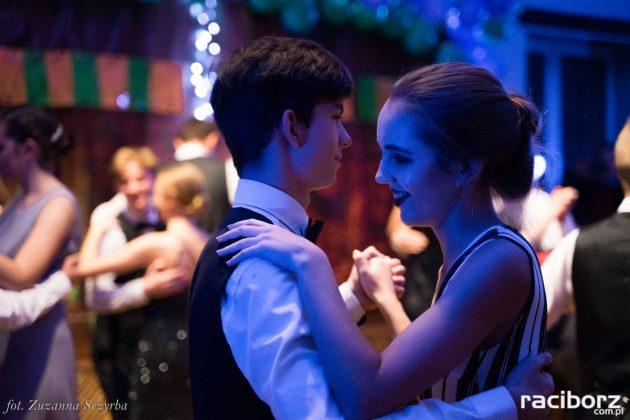 Pokaz tańca w MDK - Andrzejkowy Zawrót Głowy 2-6