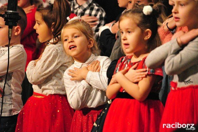 Koncert Świąteczny Raciborskiego Ogniska Muzycznego