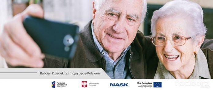Babcia i dziadek też mogą być e-Polakami!