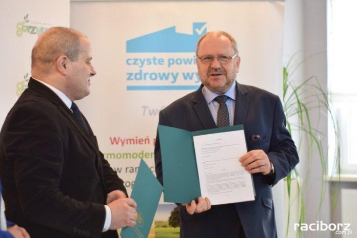 Czyste Powietrze: Punkt przyjmowania wniosków w Gorzycach już działa