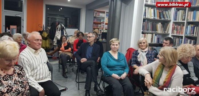 Islandia w pigułce, czyli slajdowisko w bibliotece na Ostrogu