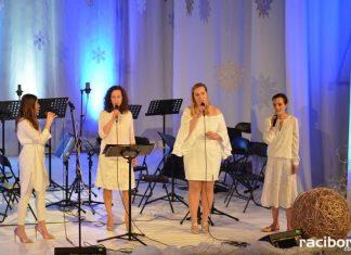 """""""Koncert piosenki świątecznej i nie tylko"""" w Strzesze"""