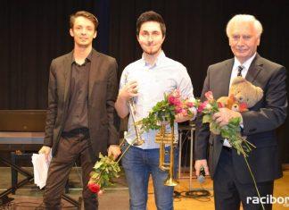 Trąbka i pianino - muzyczni bohaterowie koncertów umuzykalniających w RCK
