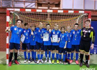 Bardzo dobre występy młodzików Unii w halowych turniejach