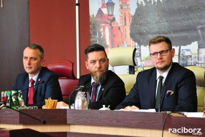 Dariusz Polowy, Michał Fita i Michał Woś podczas spotkania 9 marca