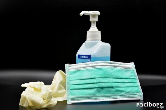 maska mydlo rekawiczki