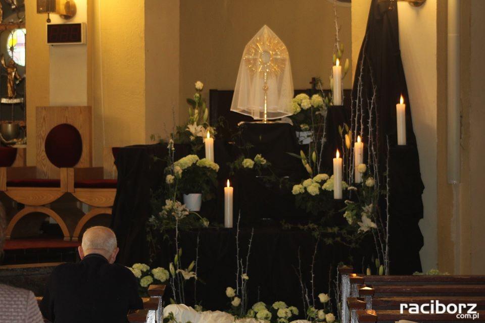 Parafia NSPJ w Raciborzu groby