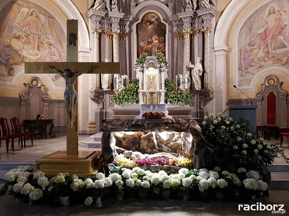 Parafia św. Wacława w Krzanowicach groby