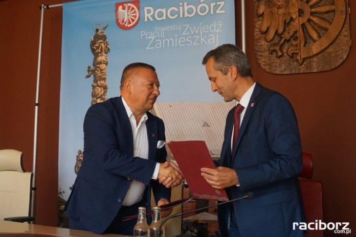 Marek Śledź i prezydent Dariusz Polowy