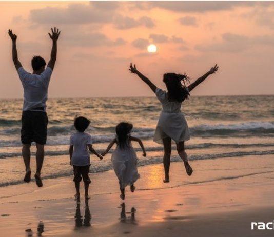 rodzina morze wakacje