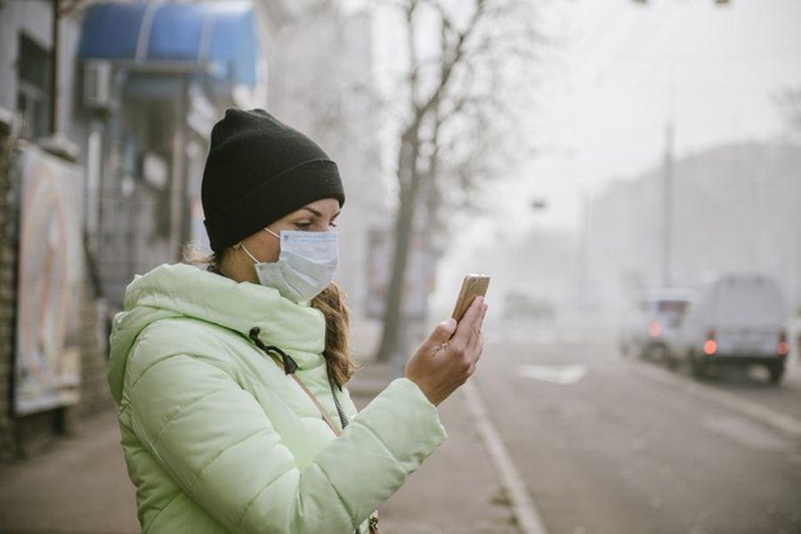 koronawirus smog