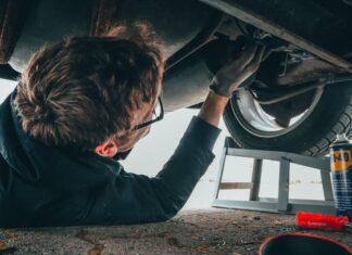 samochod mechanik
