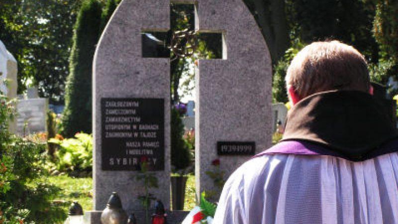 Droga krzyżowa w 68 rocznicę agresji sowieckiej na Polskę