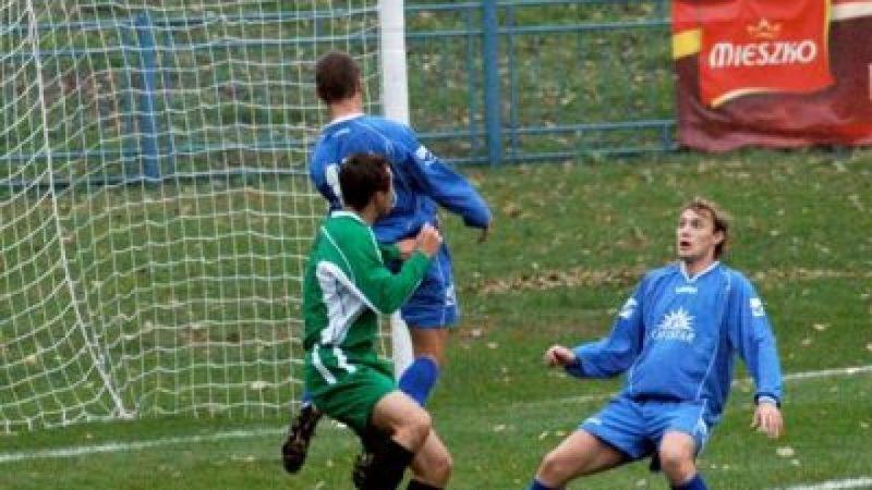 W IV lidze piłki nożnej Unia tylko remisuje z LKS Łąka 1:1