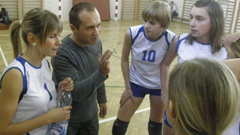 Turniej mikołajkowy dziewcząt dla drużyny gospodarzy.