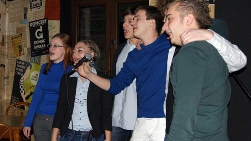Wiosenne karaoke Młodzieżowej Rady Miasta