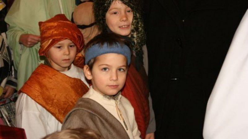 Brezie: Trzech Króli - uroczysty orszak na mszy