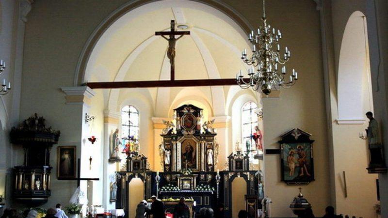 Brzezie: nowe elementy wystroju kościoła