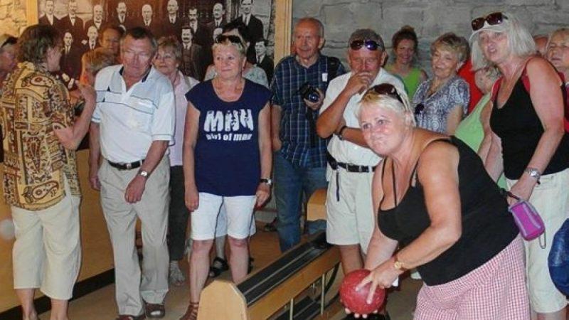 Seniorzy na wycieczce w Żywcu