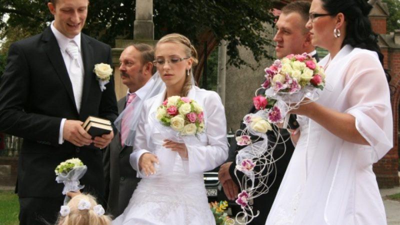 Podwójny ślub w kościele Jana Chrzciciela