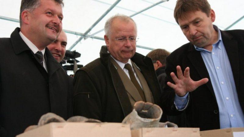B. Komorowski na placu budowy zbiornika