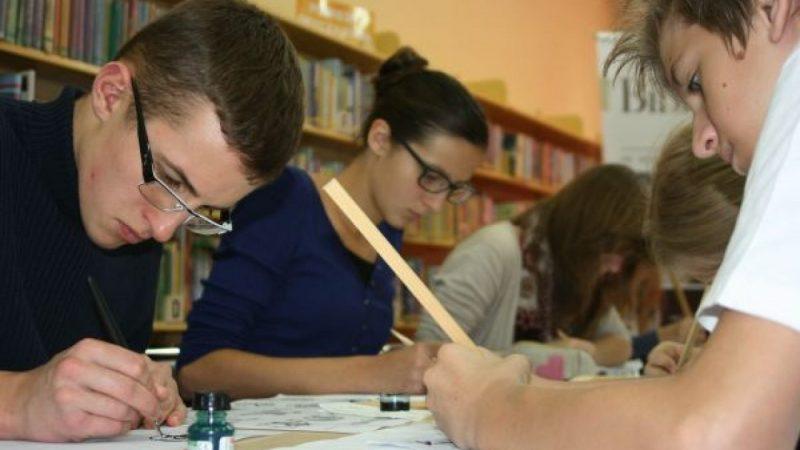 Warsztaty kaligraficzne w Bibliotece na Kasprowicza