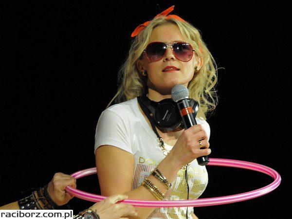 Gwiazdka Serc 2013: piękne dziewczyny, magiczne sztuki i dużo humoru