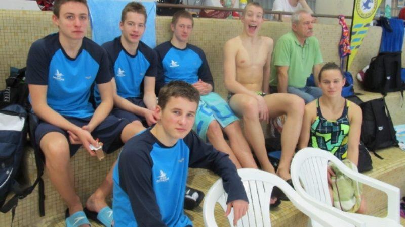Pływacy z SMS w Czechach