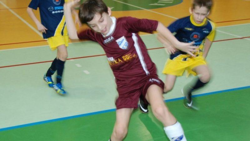 Młodzi piłkarze Unii zagrali w Syryni