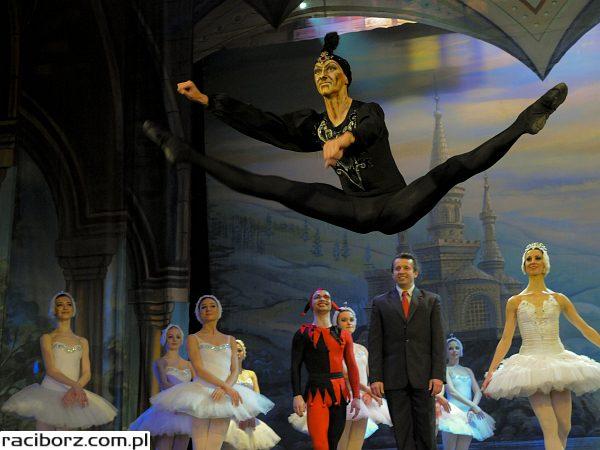 Jezioro Łabędzie i Royal Russian Ballet w RCK