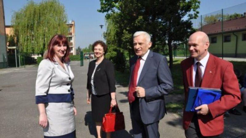 Jerzy Buzek gościł w ZSO w Kuźni