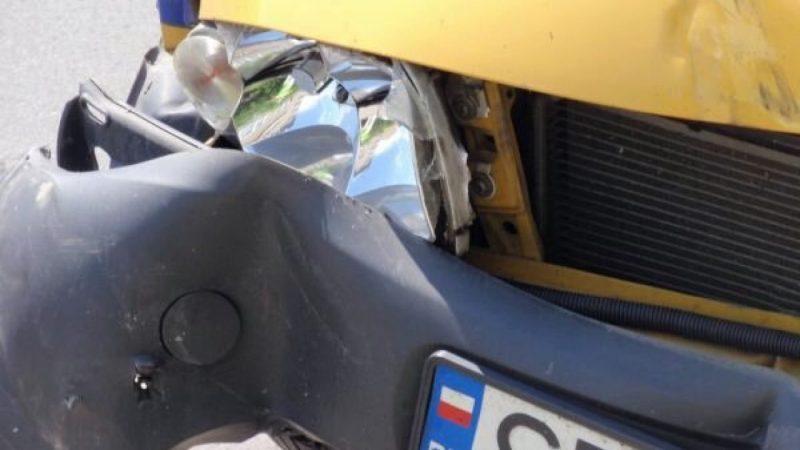 Zderzenie forda z traktorem w Raciborzu