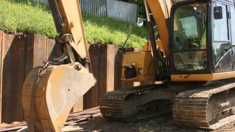 Trwa budowa przystani kajakowej nad Odrą