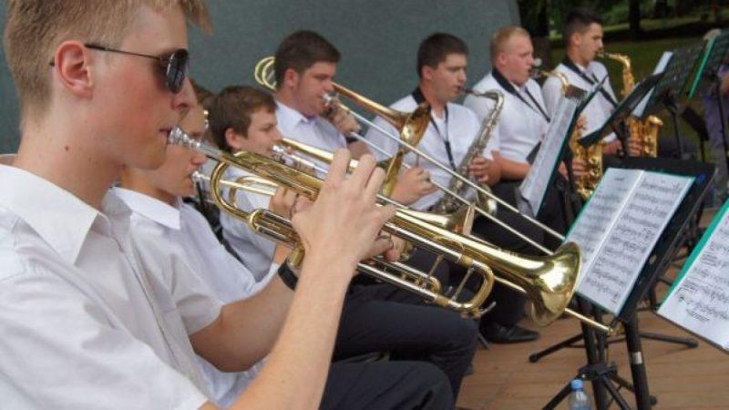 Młodzieżowa Orkiestra RCK w Parku Roth