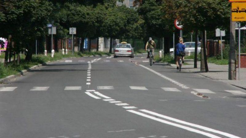 Oznakowanie poziome na Warszawskiej