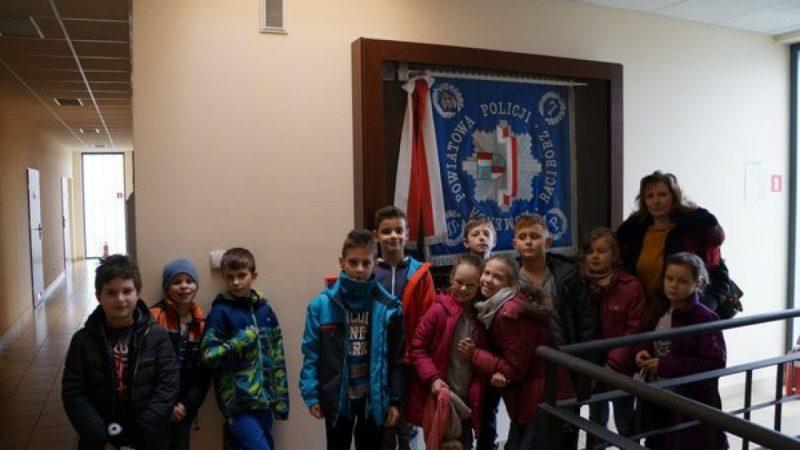 Uczniowie SP 3 z wizytą w raciborskiej komendzie
