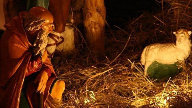 Nocne kolędowanie w Brzeziu - na pasterce tłumy