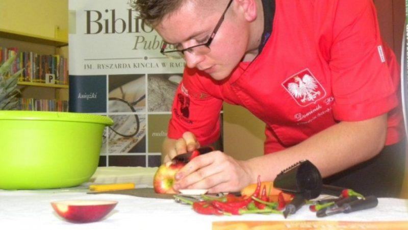 Mistrz Polski rzeźbił w owocach