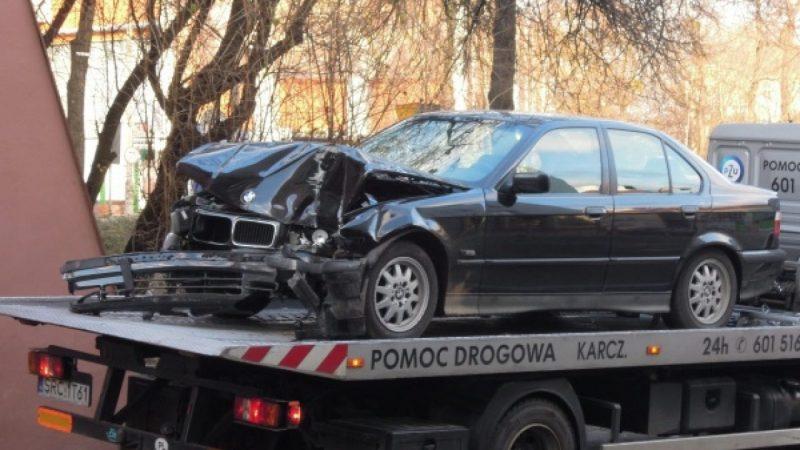 BMW wjechało w budynek na Drzymały